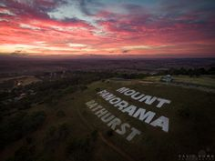 Mount Panorama, V8 Supercars, Beautiful Sunrise, Go Kart, Story Inspiration, Tat, Super Cars, How To Look Better, Around The Worlds