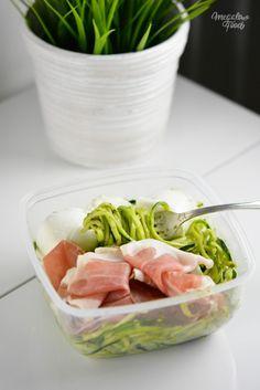Spaghetti de courgettes au pesto, mozzarella di buffala et jambon de parme  4 déjeuners healthy et IG bas à emporter 4 healthy lunchboxes ideas