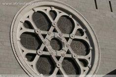 Il grande rosone della Sinagoga di Trieste con la Stella di Davide - ChiesenoncattolicheTS
