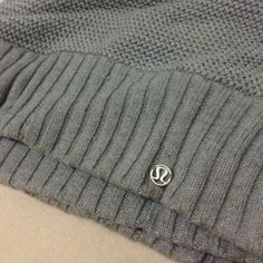 lululemon athletica Outerwear - Lululemon knit infinity scarf