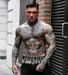 Hot Guys Tattoos, Boy Tattoos, Hand Tattoos, Muscle Tattoo, Full Body Tattoo, Tattoed Guys, Sexy Tattooed Men, Tatted Men, Cute White Boys