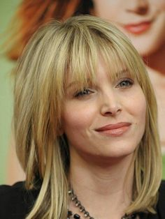 Medium Length Hairstyles with Bangs   Mid Length Hair styles ( with Bangs)