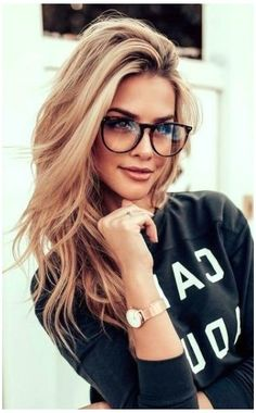 Glasses For Oval Faces, Cute Glasses Frames, Womens Glasses Frames, Cool Glasses, Glasses For Your Face Shape, Blonde With Glasses, Girls With Glasses, Hairstyles With Glasses, Cool Hairstyles