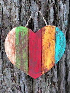 Wooden Hearts Crafts, Heart Crafts, Wooden Crafts, Diy And Crafts, Arts And Crafts, Valentine Crafts For Kids, My Funny Valentine, Valentine Heart, Arte Pallet