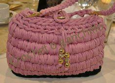 Bolso de trapillo rosa by Crochet o ganchillo