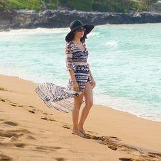 Black and white beachwear @mosseesydney #maui