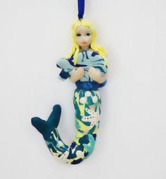 La petite sirène blonde,création délicate et précieuse,pièce unique, très décorative. : Sculptures, gravures, statues par comme-un-galet