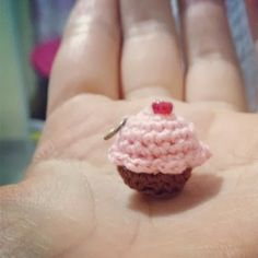 DIY Mini Cupcake Amigurumi - FREE Crochet Pattern / Tutorial