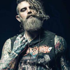 @spizoiky  @lanedorsey #beardbad