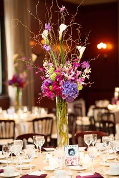 Newberry Library Wedding. iLuvPhoto. Sweetchic Events. Fleur.  Willow Branch, Calla Lilly, Hydrangea Centerpiece.
