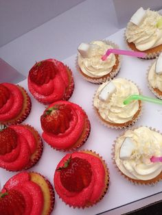 Strawberry daiquiri & Malibu cupcakes