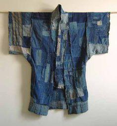 """nothing wasted"" Japanese folk textiles (boro) farmer kimonos.nothing wasted everything Shibori, Jeans Denim, Old Jeans, Denim Coat, Inchies, Estilo Hippie Chic, Boro Stitching, Estilo Jeans, Bleu Indigo"