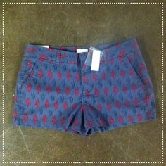NWT Khakis by Gap 3 Inch Grey Shorts These brand new 3 inch khaki shorts by Gap are perfect for showing off this summer! They have a blue and pink pattern and are so cute! They are a size ten and come with an extra button! These are in perfect condition! Check them out! GAP Shorts