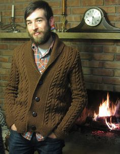 "2019 Modell Described by one knitter as ""the perfect grandfather cardigan"" it also looks pre. Cable Cardigan, Cardigan Pattern, Sweater Jacket, Men Sweater, Vogue Knitting, Hand Knitting, Knitting Patterns, Male Sweaters, Hand Knitted Sweaters"