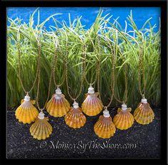 country-style-hawaiian-sunrise-shell-puka-shells-cord-necklace-1-27.gif (1080×1065)