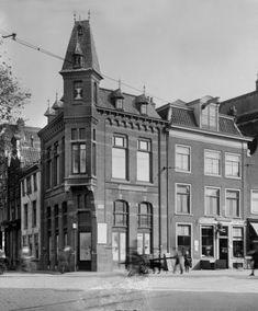 Haarlem jaren 20 Verwulft hoek Gierstraat (voor de bouw van de V&D). Van der Pigge.