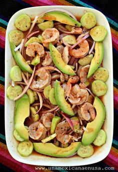 Camarones en aguachile rojo How to prepare shrimp in red aguachile. Shrimp Dishes, Shrimp Recipes, Appetizer Recipes, Authentic Mexican Recipes, Mexican Snacks, Mexican Food Recipes, Deli Food, Love Food, Food To Make