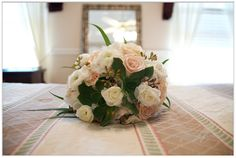 Bouquets, Wedding Ideas, Table Decorations, Flowers, Beautiful, Home Decor, Bouquet, Bunch Of Flowers, Interior Design