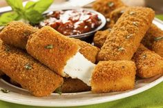 Delicious and crispy recipe for Deep Fried Mozzarella Cheese Sticks that are every popular for game night munchies or movie night snacks. Healthy Mozzarella Sticks, Mozzarella Cheese Sticks, Queso Mozzarella, Mozzerella, Fried Cheese Sticks, Cheese Fries, Queso Frito, Healthy Cooking, Mozzarella Sticks