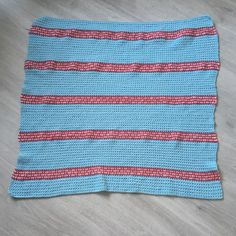 The Heart Lines Shrug - Free Crochet Pattern - Dora Does Crochet Shrug Pattern, Crochet Patterns, Cocoon Cardigan, Capelet, Free Crochet, Colours, Stitch, Heart, Women