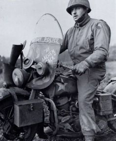 GI of the 29th Infantry Division. Eindhoven, Holland, 1944 (HARLEY DAVIDSON)