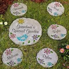 Perfect Personalized Momu0027s Mosaic Garden Stepping Stone