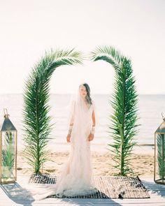 """148 """"Μου αρέσει!"""", 4 σχόλια - Love4Weddings (@love4wed) στο Instagram: """"The definition of beauty… This bride is shining in her @victoriakyriakides wedding dress! LINK IN…"""""""