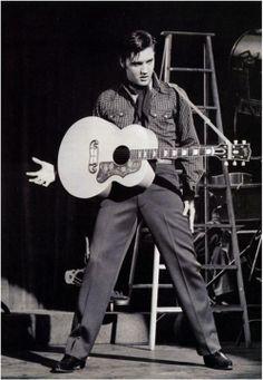 Let´s Keep the 50´s Spirit Alive!: Elvis Presley Lisa Marie Presley, Priscilla Presley, Rhythm And Blues, Rock And Roll, Cardiac Arrhythmia, Elvis Today, Tupelo Mississippi, Elvis Presley Movies, Pot Luck