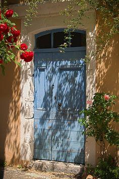 Door in the South of France - photo taken by gailbert olivier via flickr.com