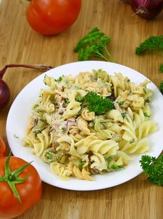 You will find here various recipes mainly traditional Romanian and Mediterranean, but also from all around the world. Tuna Salad, Pasta Salad, Mole, Food And Drink, Ethnic Recipes, Gluten, Traditional, Fine Dining, Kitchens