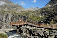 One of the viewing platforms at Trollstigen. The platform is accessible for wheelchair users.  Photo: Jarle Wæhler