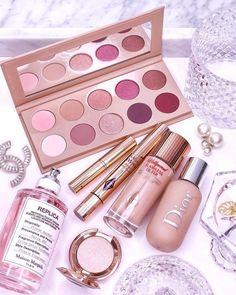 Pin by Luxury Beauty on Pretty Things Makeup Items, Makeup Set, Makeup Dupes, Cute Makeup, Makeup Inspo, Makeup Cosmetics, Beauty Makeup, Huda Beauty, Eyeshadow Makeup