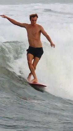 - Foot & Single 2015 Deus ex Machina 🏄Harrison Roach Look Skater, Skater Style, Surfing Videos, Surfing Pictures, Summer Surf, Ex Machina, Longboarding, Windsurfing, Surfs Up