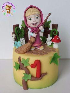 1st Birthday Cakes, Birthday Diy, Masha Cake, Marsha And The Bear, Fondant, Crazy Cakes, Fashion Cakes, Bear Cakes, Holiday Themes