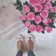 Shades of pink and a surprise delivery from @odealarose to get this Monday started  #roses #pink #boxinthecity #monday @liketoknow.it www.liketk.it/1Z1sD #liketkit
