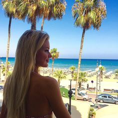Сообщество Телепроект Дом-2: Марина Африкантова и Андрей Чуев улетели вместе на Кипр