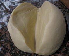 Тесто на кипятке для пельменей. Супер!!! Универсальное заварное тесто для вареников, пельменей, чебуреков Это не тесто, а просто песня! Нежное, эластичное, податливое, приятное в работе и очень вкусное! Что пельмени, что вареники или чебуреки всегда с ним получаются просто изумительные. Ингредиенты: 1 яйцо, соль, 3 стакана муки, 1 ст.л. растительного масла, 1 стакан кипятка. Приготовление: …