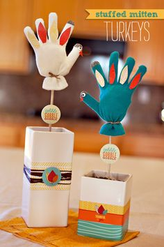 Since Thanksgiving is well within our sights now, I've rounded up 30+ Terrific Turkey Treats and Projects!