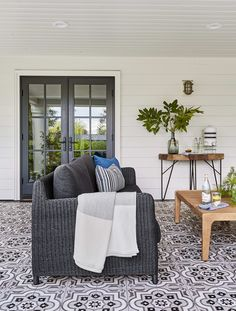 7 Outdoor Patio Ideas That Give This Underrated Space Its Due #SOdomino #room #interiordesign #wall #furniture #property #table #home #house #livingroom #coffeetable