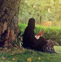 Muslim women out door