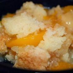 Peach Cobbler Dump Cake ~ Super easy, super tasty and not super messy, win-win-win! :D