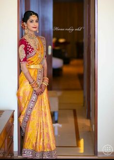 Indian Bridal Sarees, Indian Bridal Fashion, Indian Wedding Outfits, Indian Beauty Saree, Bridal Lehenga, Indian Outfits, Blouse Designs Silk, Bridal Blouse Designs, Dulhan Dress