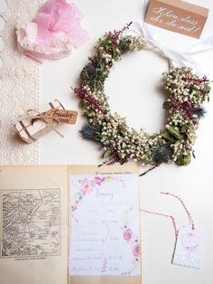 Heute geht es weiter mit der Serie DIY Hochzeit - Motto Reisen. Dabei widme ich mich den DIYs Freudentränen, Ablaufplan und Stammbuch. Planer, Wreaths, Inspiration, Decor, Dating Book, Just Married, Registry Office Wedding, Host Gifts, Decoration
