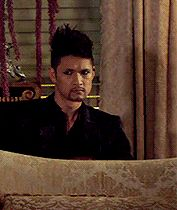 """some of the gems 3x02 gave us to be used as reaction gif feat. alec and magnus "" bonus: because mood"