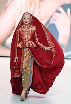 Foto Kebaya Songket Dian Pelangi 2015 Trend Busana Islami Model Baru