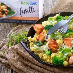 Neodoljiva tjestenina s brokulom i svježim sirom - CentarZdravlja Gluten Free Recipes, Healthy Recipes, Fusilli, Salmon Recipes, Guacamole, Cobb Salad, Salads, Broccoli, Cooking Recipes