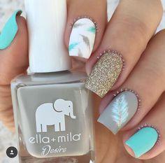 Blue, gold and feather nails! Best Nail Art Designs, Acrylic Nail Designs, Awesome Nail Designs, Popular Nail Designs, Beautiful Nail Designs, Feather Nails, Nagel Hacks, Nagellack Design, Manicure E Pedicure