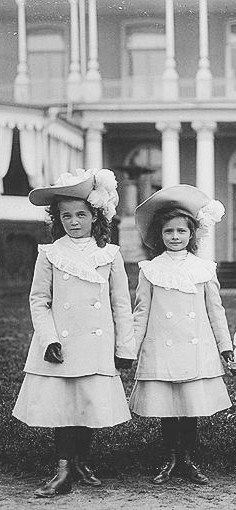 2 oldest daughters of Tsar Nicholas II Romanov (1868-1918) Russia & his wife Alix-Alexandra Feodorovna (1872-1918) Hesse, Germany: Grand Duchesses Olga Nikolaevna Romanova (15 Nov 1895-17 Jul 1918) & Tatiana Nikolaevna Romanova (10 Jun 1897-17 Jul 1918)