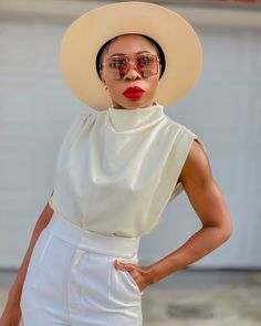 """ESSY   Fashion Blogger + NURSE on Instagram: """"How about we post A close up of this look with Details 🤍🤎 #deets  #homephotography  I'm editing right now ; New video will be up tomorrow,…"""" Fashion Blogger Style, Close Up, Panama Hat, This Is Us, Photo And Video, Detail, Photography, Instagram, Photograph"""