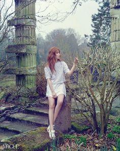 Yoon Eun Hye is a Spring Goddess for Vogue Yoon Eun Hye, Korean Actresses, Korean Actors, Korean Dramas, Kdrama, Vogue Korea, Vogue Magazine, Korean Model, Ulzzang Girl